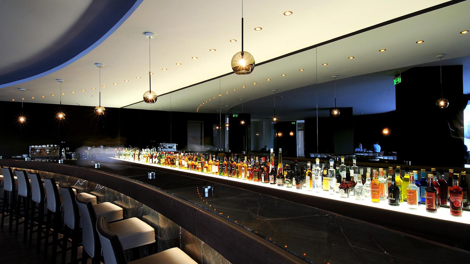 Gran Turismo Bar