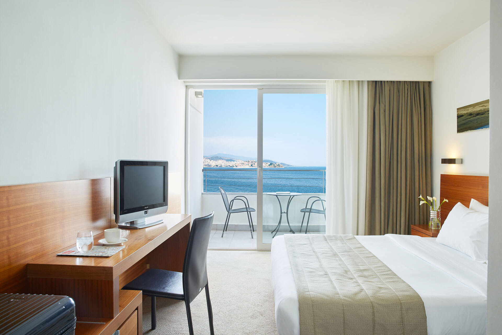 guest_room_sea_view_2